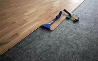 Как постелить ламинат своими руками на бетонный пол
