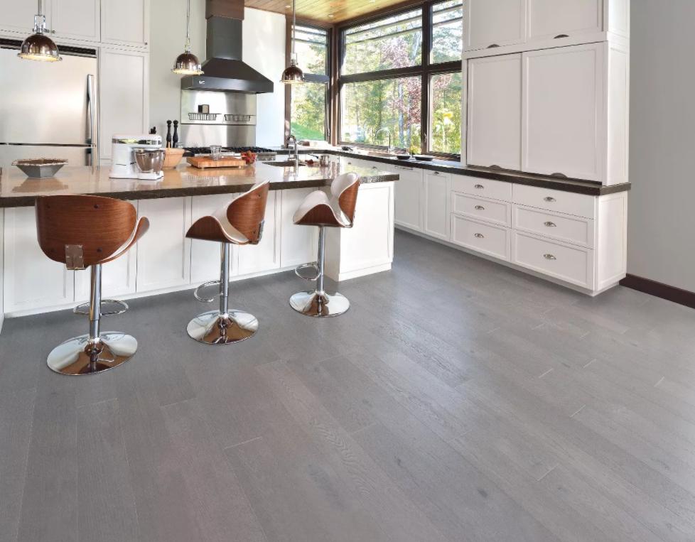 серый ламинат в интерьере кухни